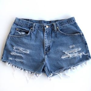 90's Wrangler Distressed High Waisted Shorts